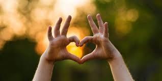 fingers make a heart